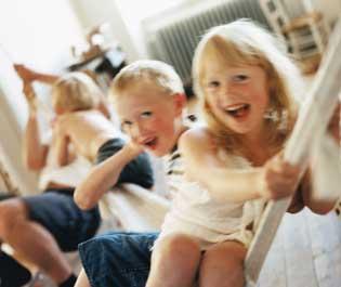 Sweden_children_playing